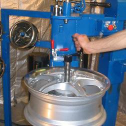 wheel straightening machine