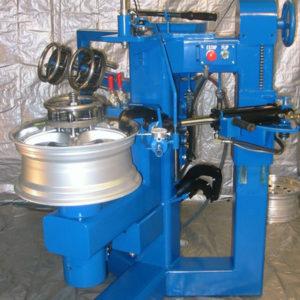 hydrualic wheel straightening machine